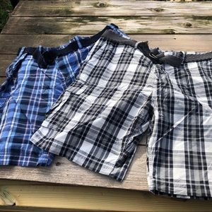NWT - Two pair Foundry cargo shorts men's 50